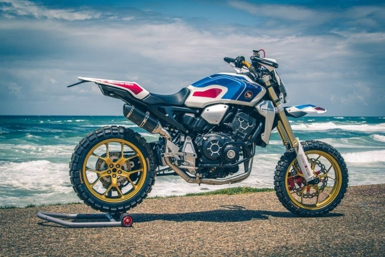 Le Trail ultime Honda Africa Four CRF 1000R  59d2ff10