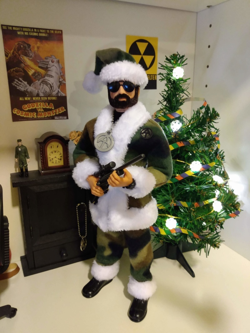 Pictures of your Action Men or Joe's in the Christmas spirit. - Page 3 Img_2037