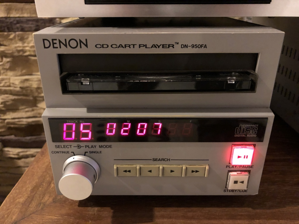 Denon CD Player (DN 950FA) Img_7715