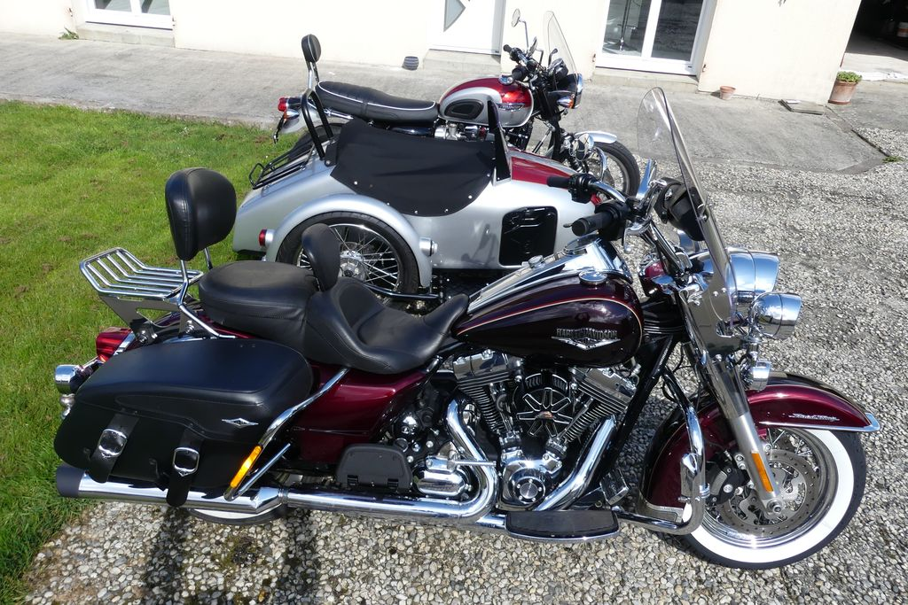 La plus belle des Road King Classic....... - Page 4 P1010511