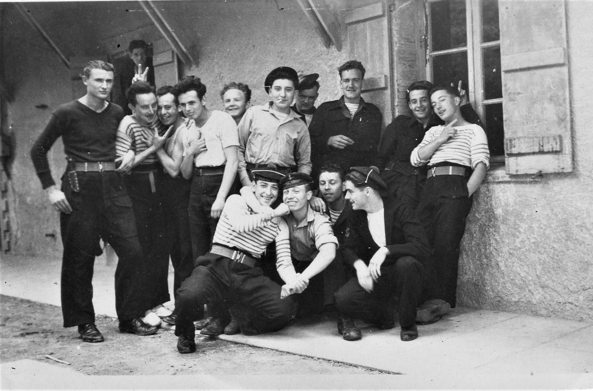 [Opérations de guerre] Les engagés de 1944 - Page 5 19460510