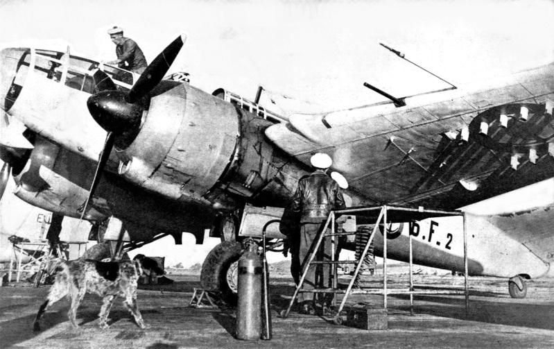 [ Aéronavale divers ] Quel est cet aéronef ? - Page 4 1949_a10