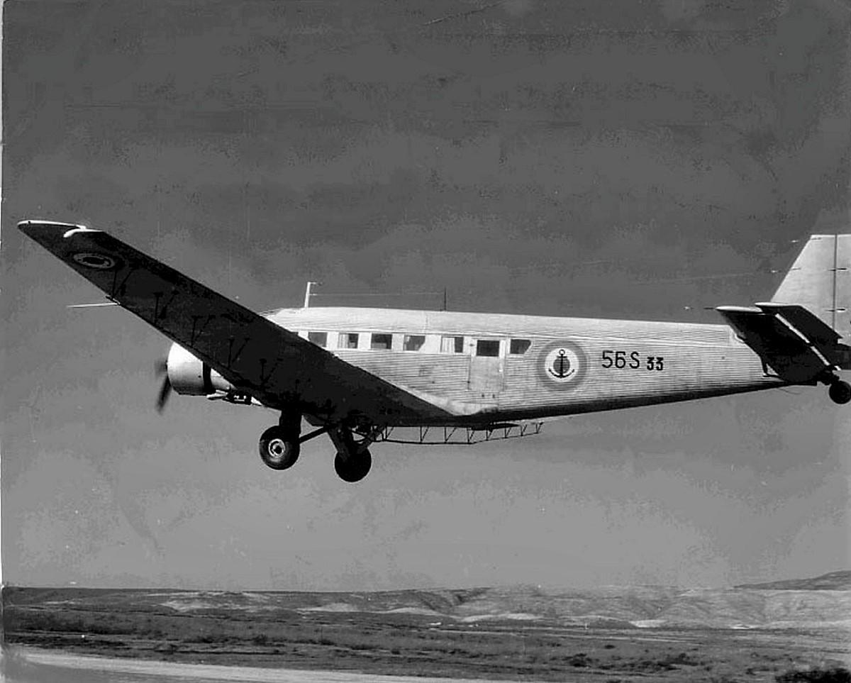 [ Aéronavale divers ] Quel est cet aéronef ? - Page 28 1958_l10
