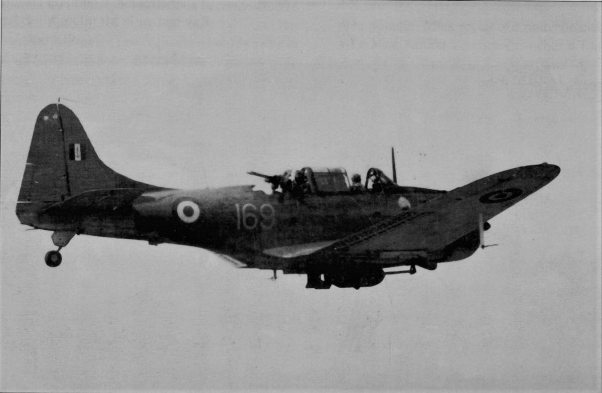 [Les anciens avions de l'aéro] Douglas SBD-5 Dauntless Img00211