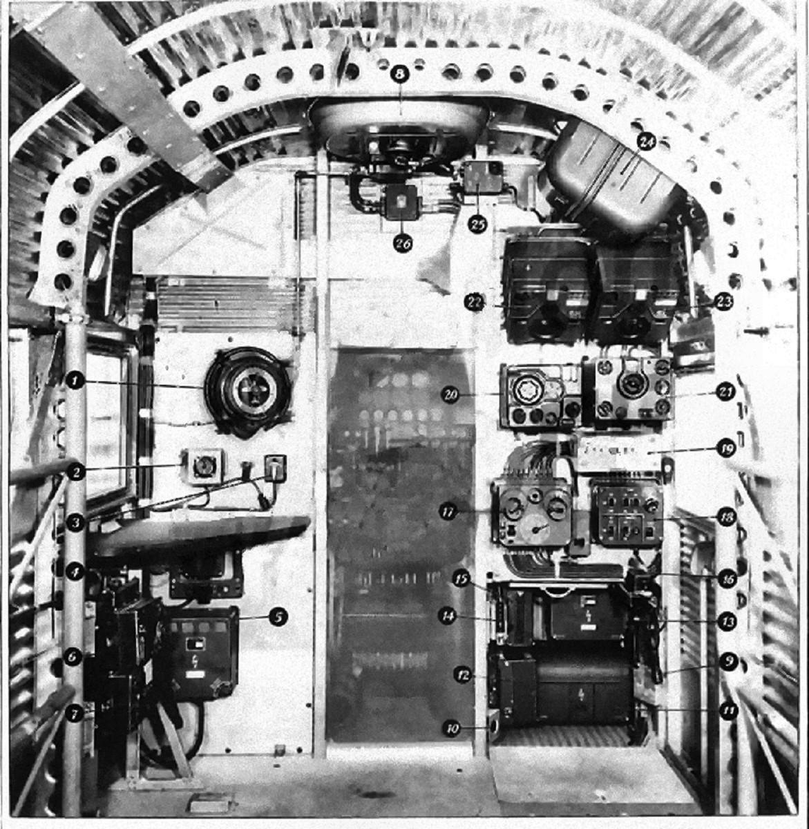 LA SPÉCIALITÉ DE RADIO - Page 6 Ju-52_11
