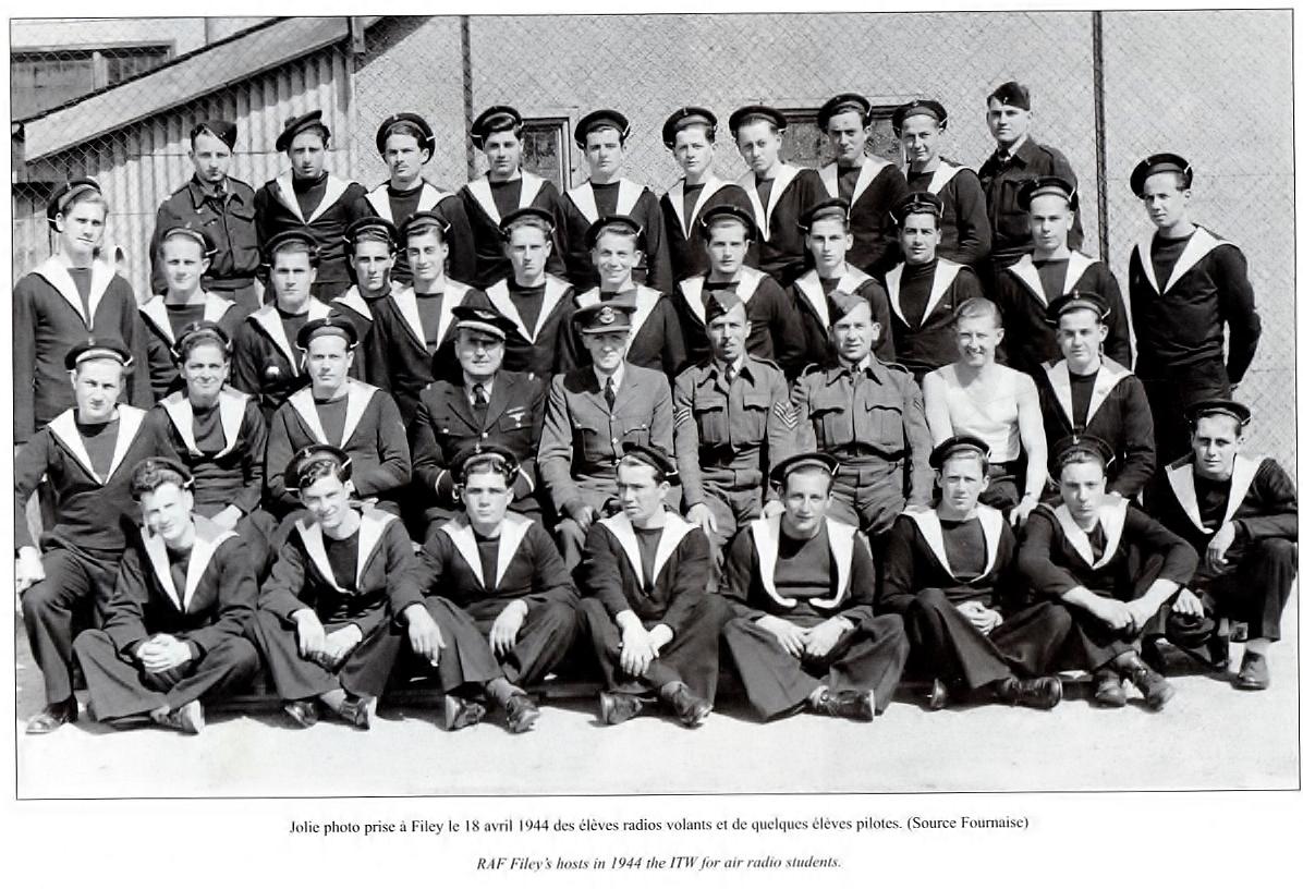 [Opérations de guerre] Les engagés de 1944 - Page 4 Mb21510