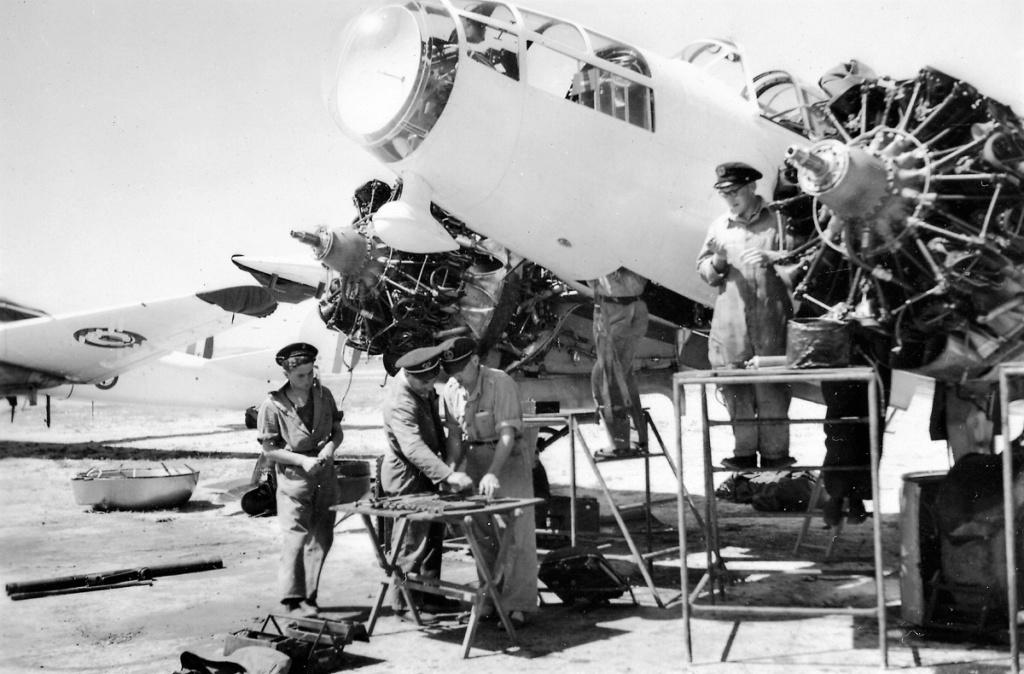 [Les anciens avions de l'aéro] Bloch / SNCASO  MB175-T - Page 2 Mennet11