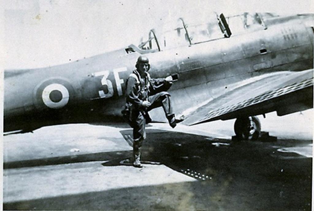 [Les anciens avions de l'aéro] Douglas SBD-5 Dauntless Sbd_3f11