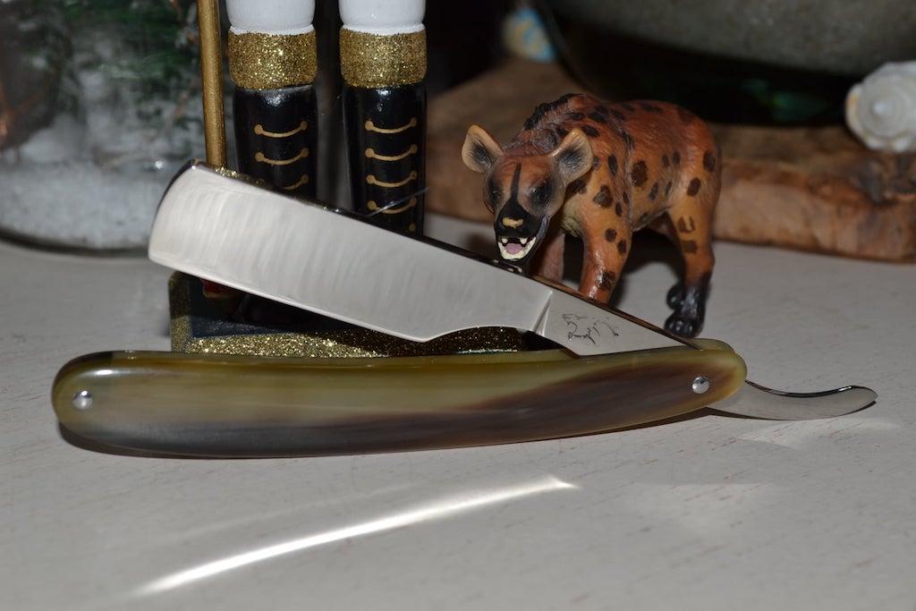 Les rasoirs de sabreur. - Page 15 Rasoir11