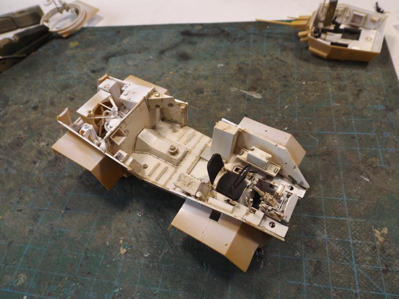 [laurent] Humber Armoured Car MkIII 1/35 [bronco models] - Page 2 K8001273