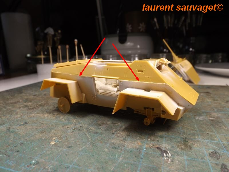 [laurent] Humber Armoured Car MkIII 1/35 [bronco models] - Page 2 K8001278