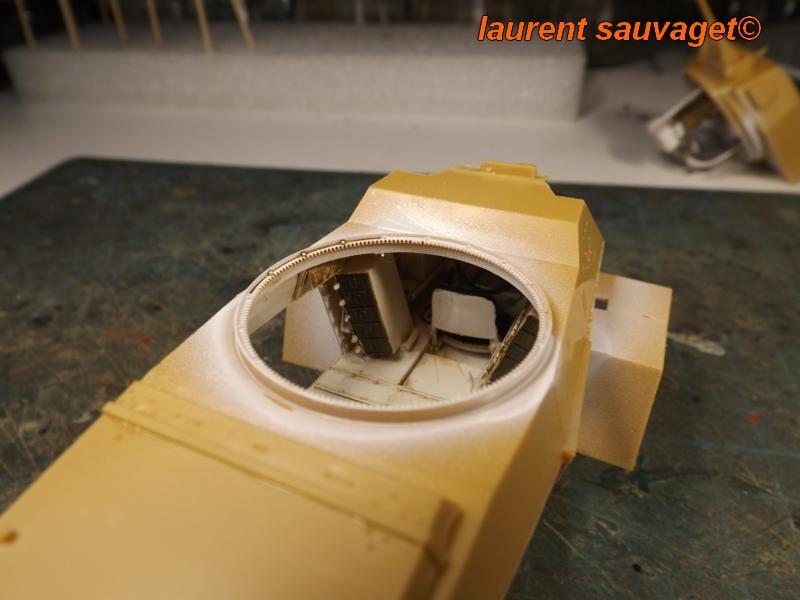 [laurent] Humber Armoured Car MkIII 1/35 [bronco models] - Page 2 K8001279