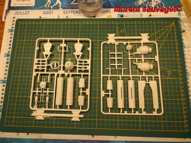 "Hawk Mk IX ""épervier"" Cosmos 1999 K800_252"