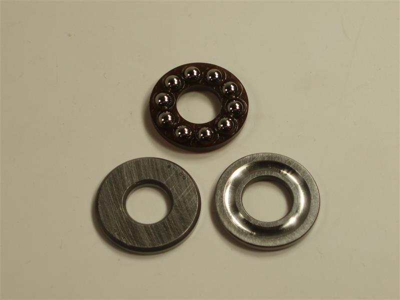 K100 1985 tiny bearings bottom of the clutch case area Old-st10