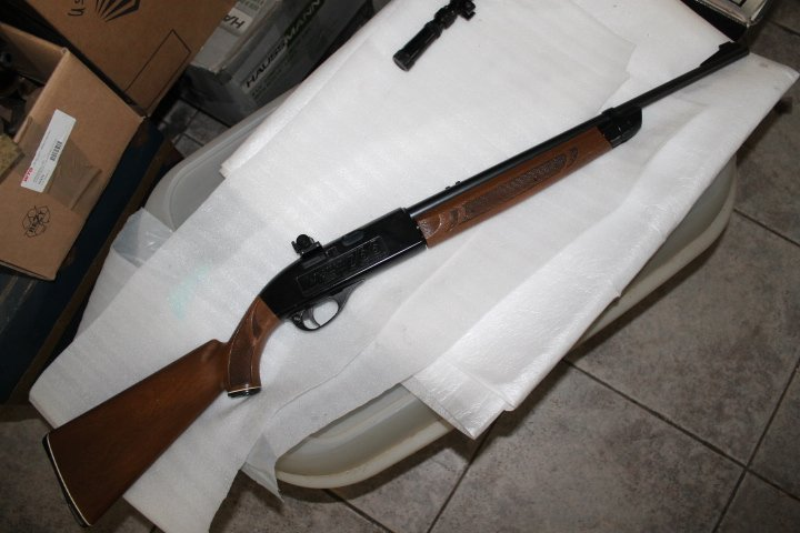 Et encore une: carabine Crosman 766 111