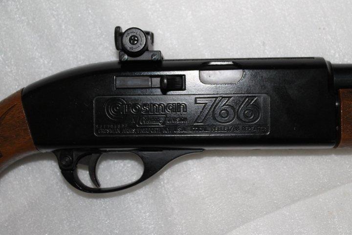 Et encore une: carabine Crosman 766 211
