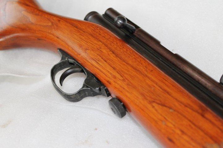 Projet complété: Carabine Crosman 187 Rs110