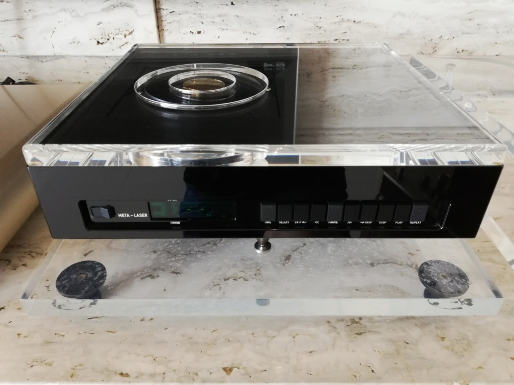Goldmund Meta Research Laser 2 CD transport, DCS Delius D/A converter & DCS Purcell D/D converter Img_2026