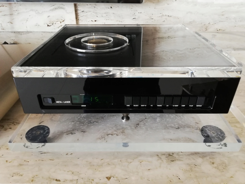 Goldmund Meta Research Laser 2 CD transport, DCS Delius D/A converter & DCS Purcell D/D converter Img_2027