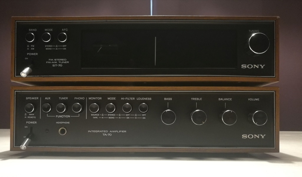 Sony ST-70 FM-AM Stereo Tuner and TA-70 Integrated Amplifier Img_2040