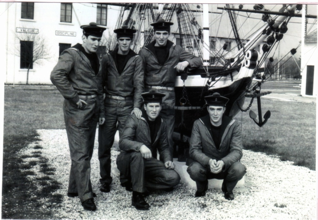 [ Recherches de camarades ] Recherche camarades du CFM Hourtin et du Sous-Marin Doris  année 1972 Img01411