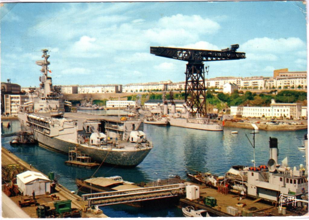 [Les ports militaires de métropole] Port de BREST - TOME 3 - Page 18 Img16810