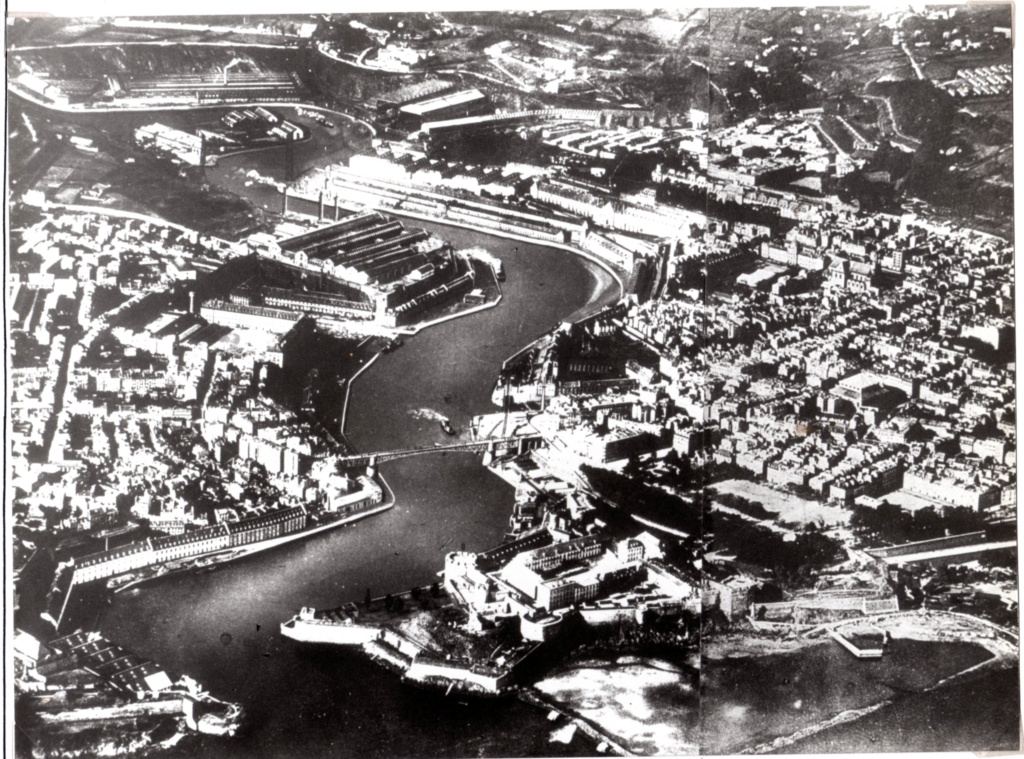 [Ports] LE VIEUX BREST - Page 25 Img19310