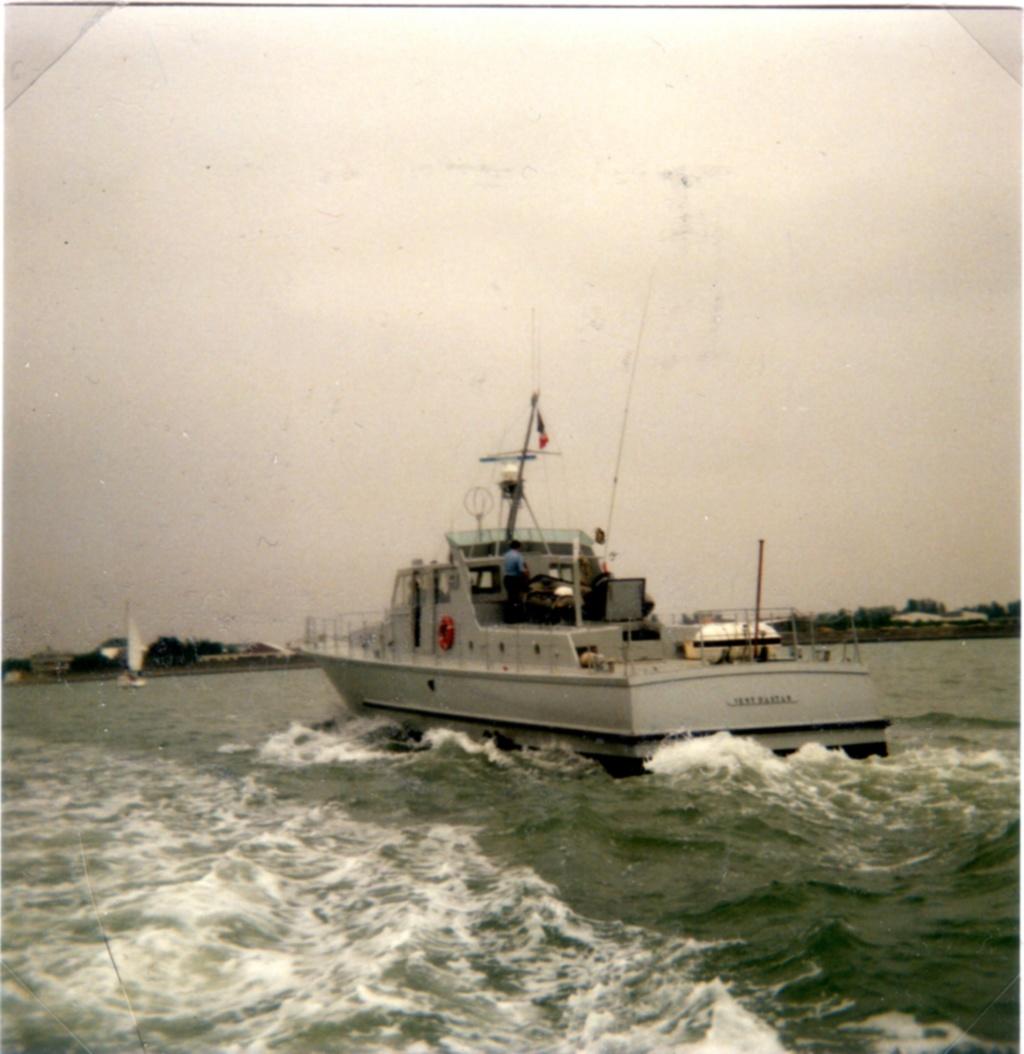 [Les ports militaires de métropole] Port de BREST - TOME 3 - Page 9 Img65510