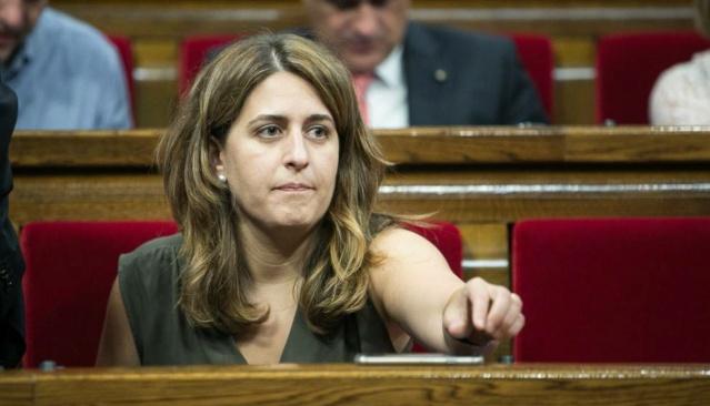Parlament | Sessió d'investidura de Marta Pascal - 10 de gener de 2016 - Página 2 Marta_11