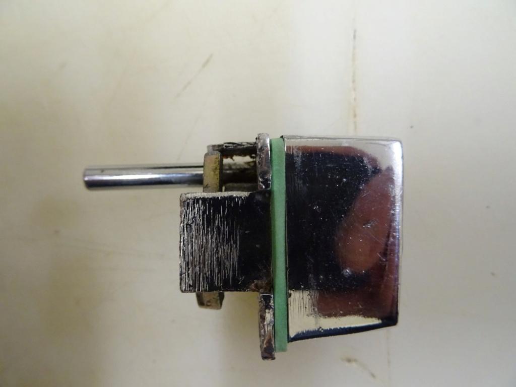 Barillet Porte Karmann Ghia brésil Dsc02411