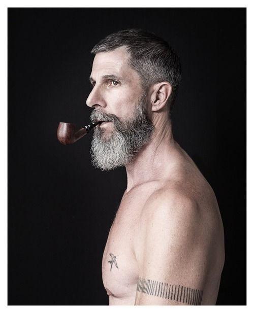 les pipeux tatoué  7f7b3513