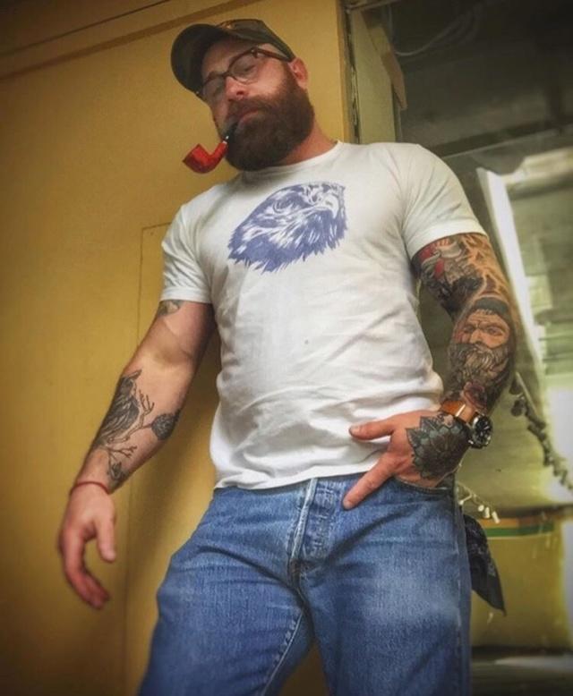 les pipeux tatoué  91fb8312