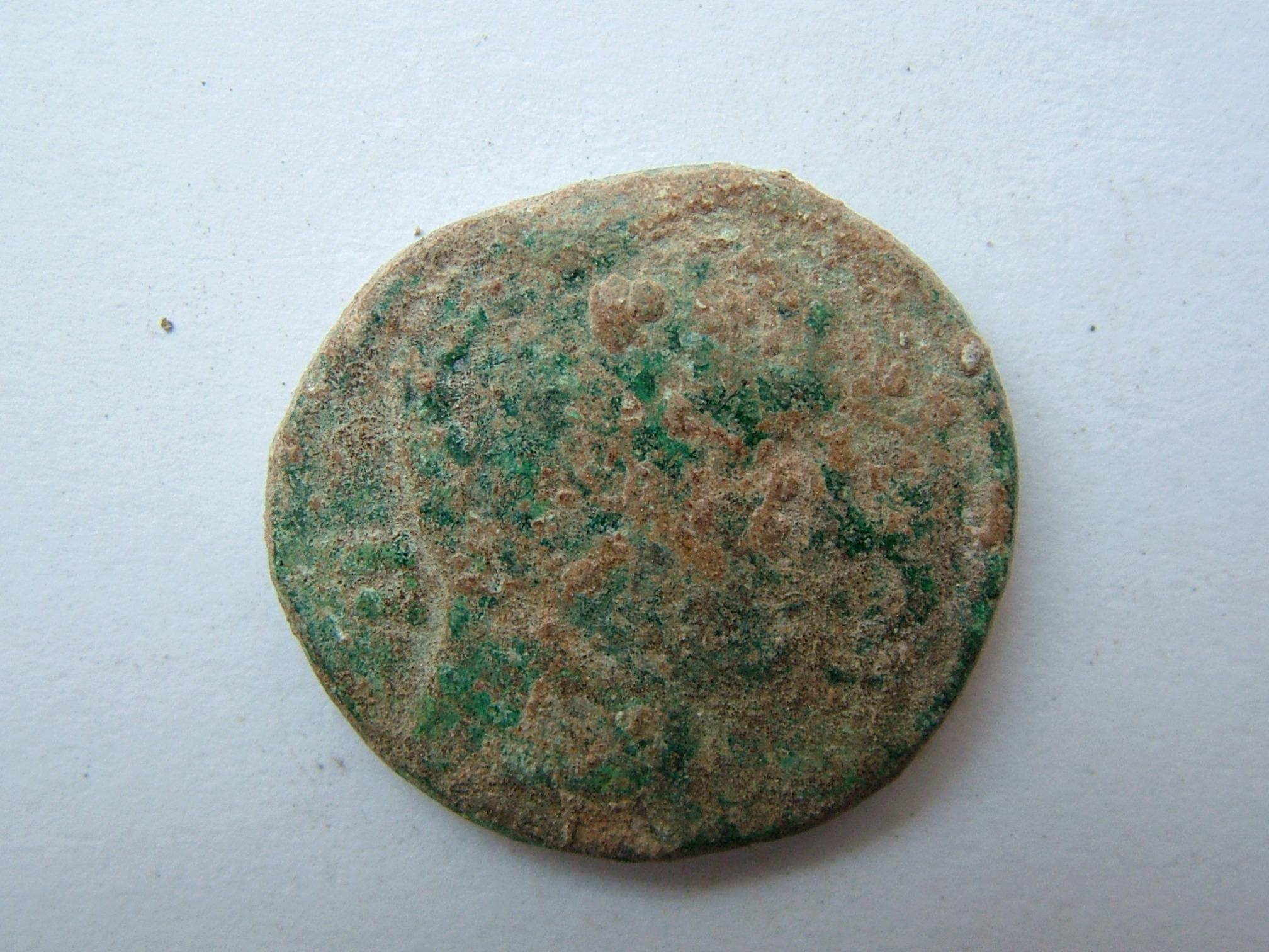 Imágenes a gran escala de pátinas y monedas falsas. Escalofriante (+18). 02_bil10