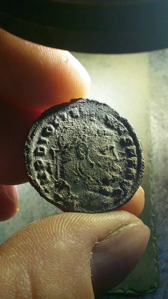 Follis de Diocleciano. Limpieza del antes y después 24294010