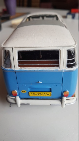 Der Samba Bus Flower Power VW T-1 von Revell in 1:24 20181022