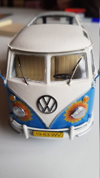 Der Samba Bus Flower Power VW T-1 von Revell in 1:24 20181024
