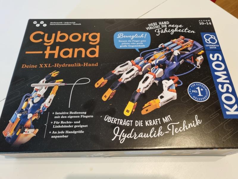 Joey´s Cyborg Hand von Kosmos 20210810