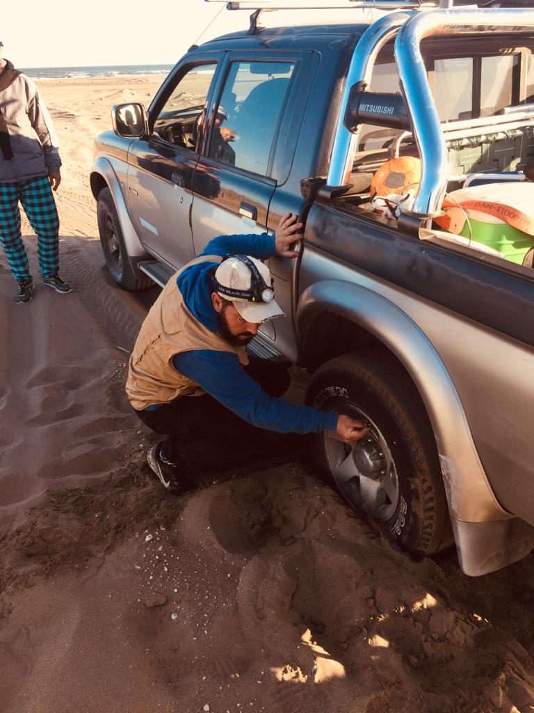 Me encajé en arena con la doble tracción... Img-2012