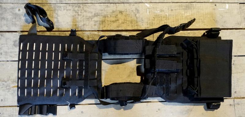 VENDU -- plate carrier noir Plate_10
