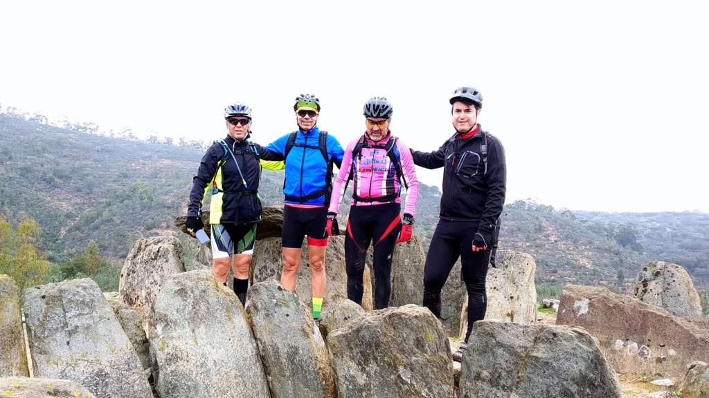SABADO 08/02/2020 Valverde del Camino - DOLMENES - Pozuelo- Valverde (46 Km y 700m.) Img_2019