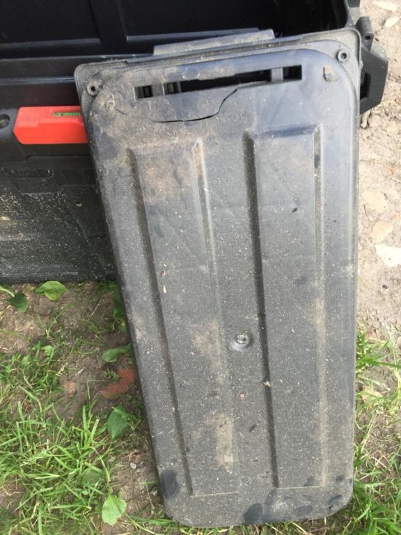 Capot valise alu latérale  D75d1610