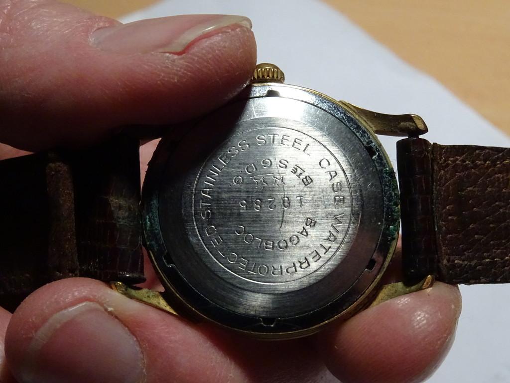 Jaeger -  [Postez ICI les demandes d'IDENTIFICATION et RENSEIGNEMENTS de vos montres] Dsc01411
