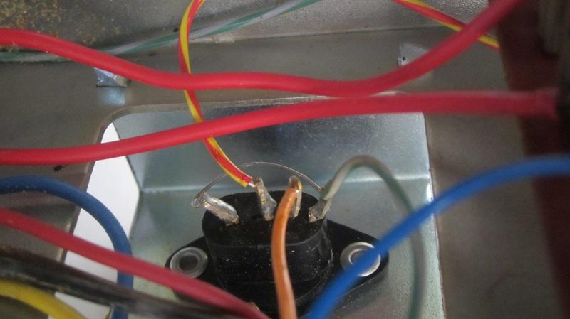 Info su connettore uscita magnetofono Rhodez Ponte_10