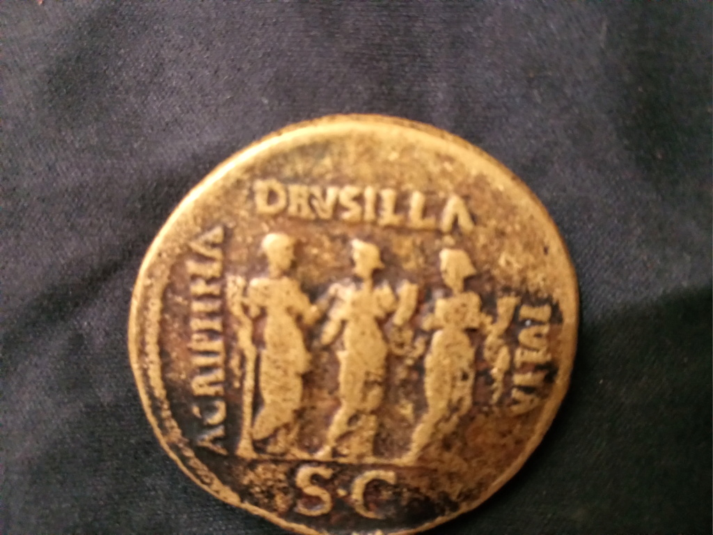 Sestercio de Calígula AGRIPPINA DRVSILLA IVLIA - S C. Img_2023