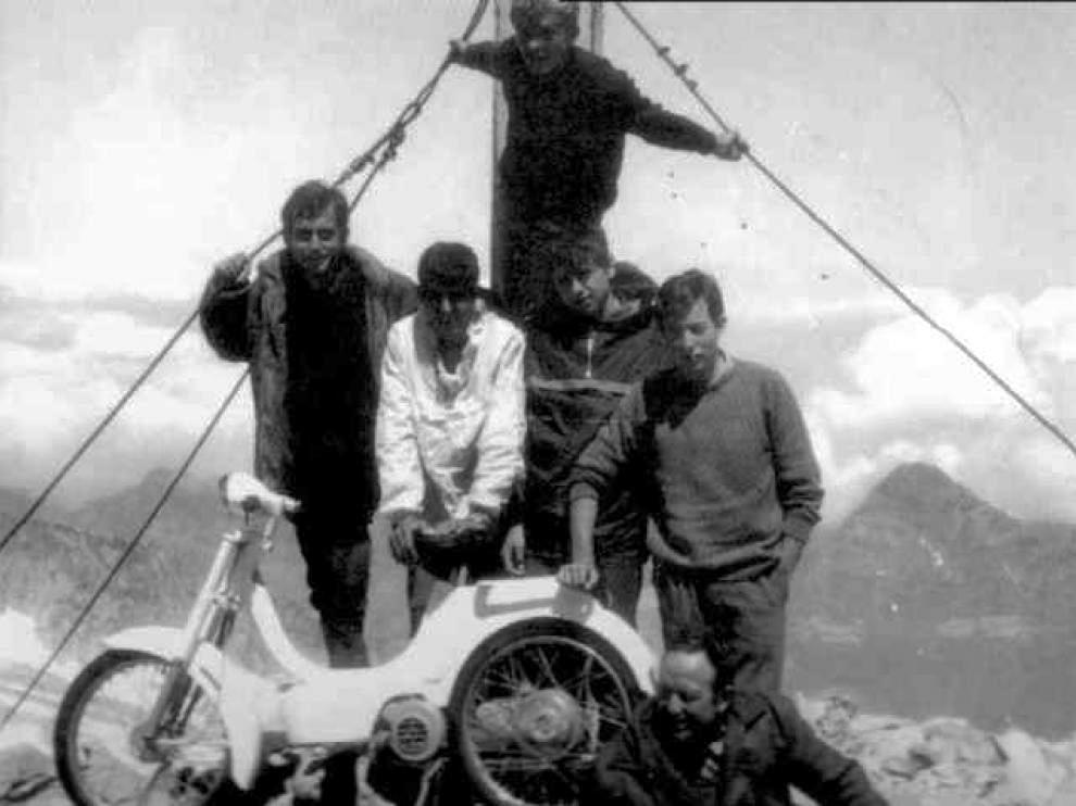 bultaco - Vespino contra Bultaco en el pico Aneto Vespin12