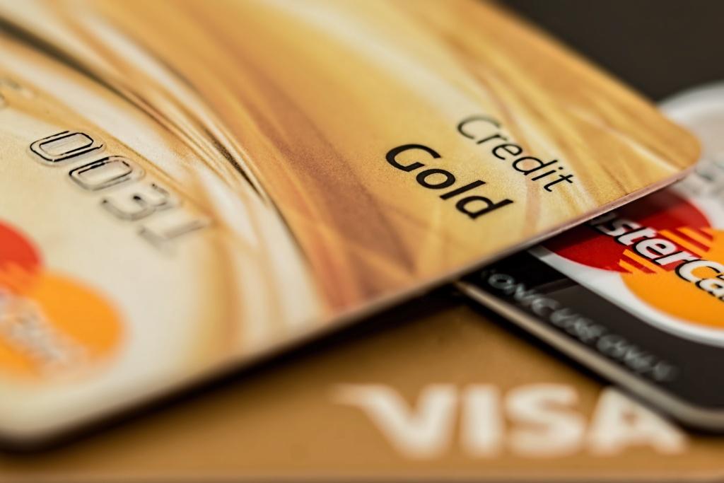 Дополнительные банковские карты Credit15