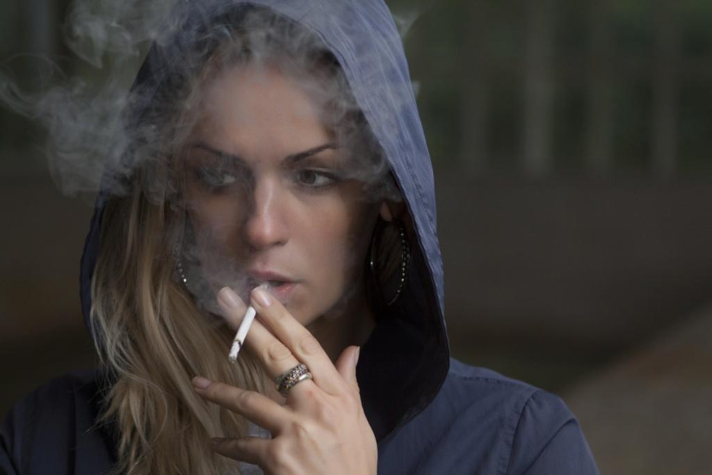 Вредные и полезные привычки Woman-11
