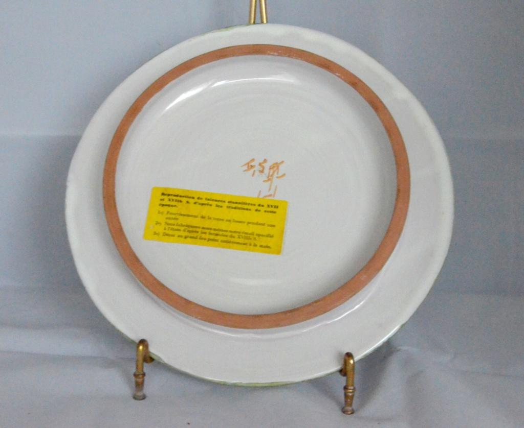 Dessous de plat faïence reproduction du 17 et 18 ème Dessou15