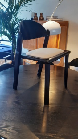 Help Identifying Chairs 20200213