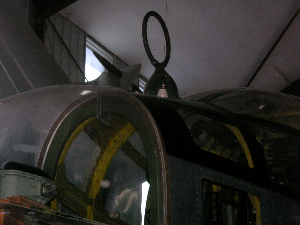 """P-61A-10 Black Widow SN 42-5598 """"Sleepy Time Gal II"""" Cpt. Ernest Thomas - 6th NFS - 1945 (1/32) - Page 2 Mn_26_10"""